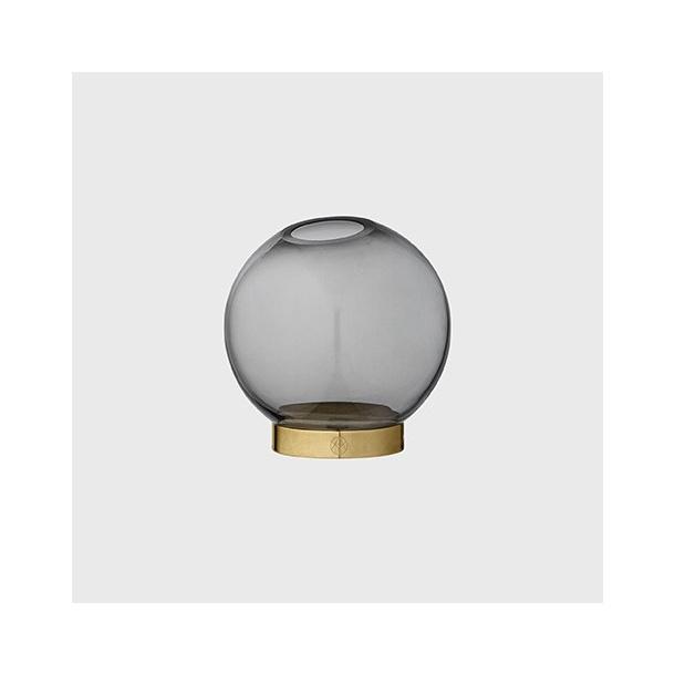 AYTM glass vase